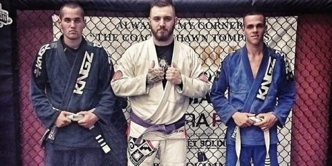 Chris Lee Byrne (center)(instagram.com/chrisleebyrne)