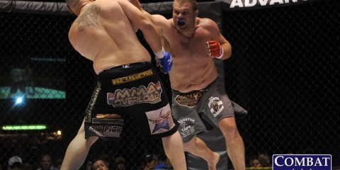 Josh Copeland (R) (Phil Lambert/Combat Press)