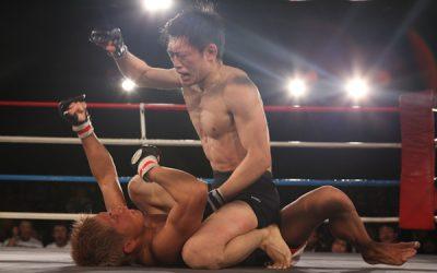 Yoshitaka Naito (top) (Dean Marchand/Sherdog)