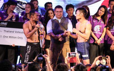 Dejdamrong Sor Amnuaysirichoke (L) and Yoshitaka Naito (ONE Championship)