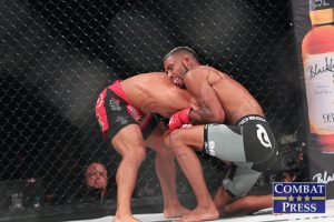 Caldwell (R) (Jeff Vulgamore/Combat Press)