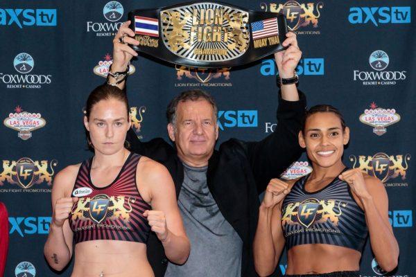 Jorina Baars (L) and Angela Whitley (Bennie Palmore/Lion Fight)