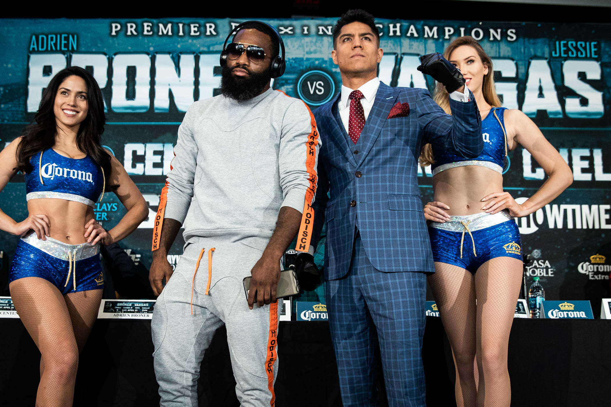 Broner and Vargas frustrated in draw