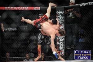 Guerrero earns a takedown (Phil Lambert/Combat Press)
