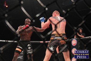 Cheick Kongo (L) fights Alexander Volkov (Jeff Vulgamore/Combat Press)