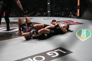 Angela Lee locks in the armbar (ONE Championship)
